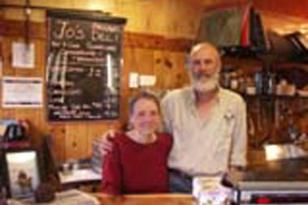 Robin & Jim, Jo's Motel